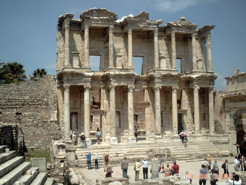 TURKEY  EPHESUS..      Library of Celsus.