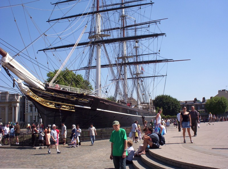 GREENWICH   LONDON.  -  Cutty  Sark  in  King  William  Walk.  --Victorian  Tea Clipper.