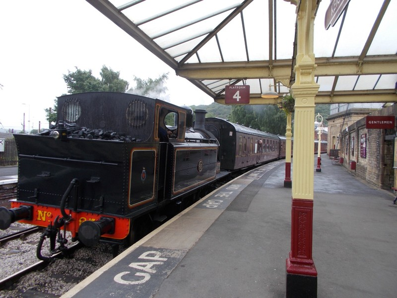 ENGLAND.  --  Keighley and Worth  Valley  heritage  railway.  Yorkshre.