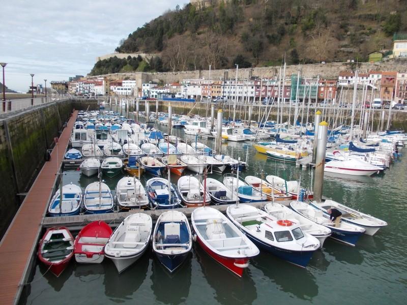 SAN SEBASTIAN  SPAIN.     Harbour.