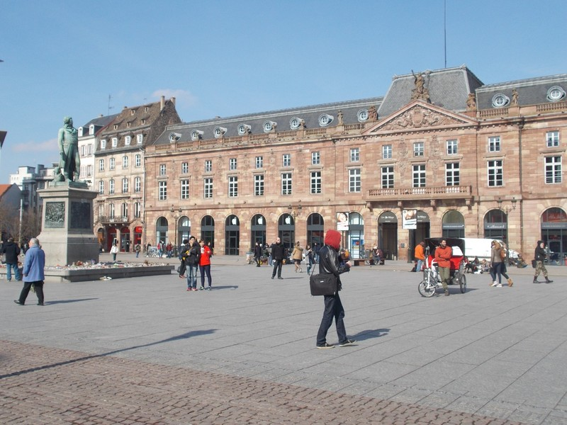 STRASBOURG,  FRANCE.--Place  Kleber --Statue of General  Kleber, .          ----          Strasbourg is the   Seat of the European Parliament.  Sits here at least twelve times a year.-------Paris is 397km   {247 miles