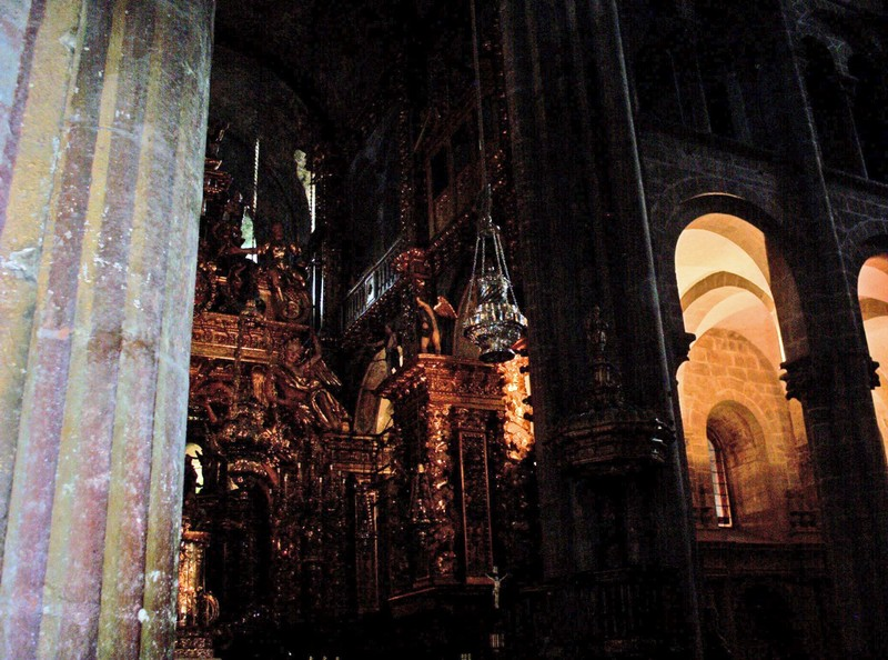 SPAIN  SANTIAGO DE COMPOSTELA.  Inside cathedral,  in the centre of picture can be seen the Botofumerio, the large insence burner,that swings from one side of cathedral to the other..