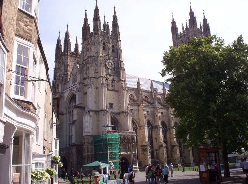 CANTERBURY  ENGLAND. ---  Cathedral ,seat  of  The  Archbishop  of  Canterbury.