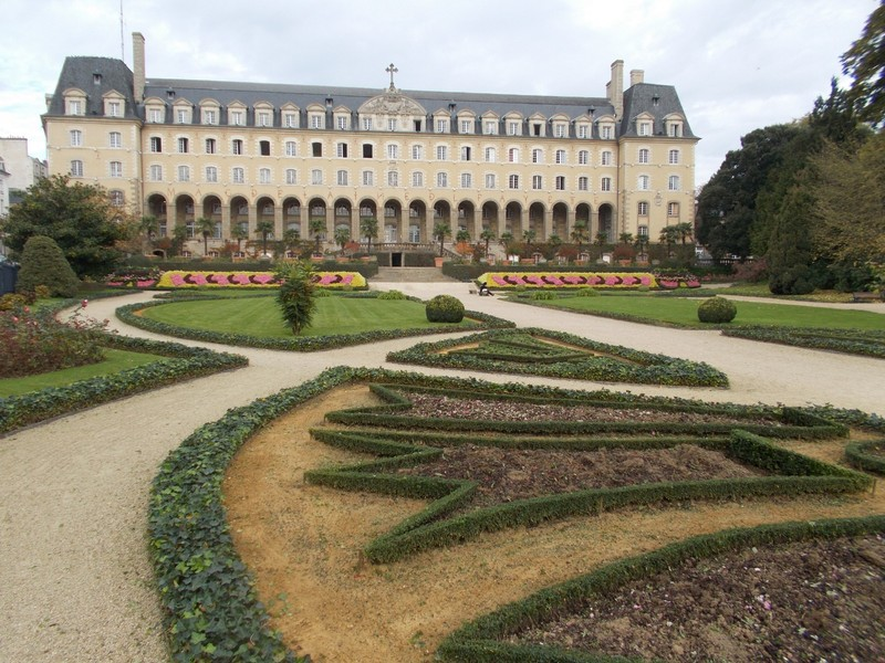 RENNES,  FRANCE.     --  Saint Georges  Palace  and Gardens,.