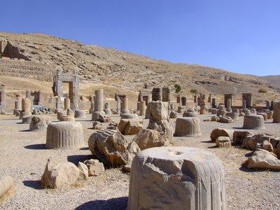 Perseopolis Columns