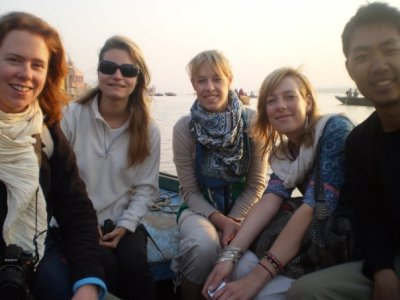 Varanasi_-_Boat.jpg