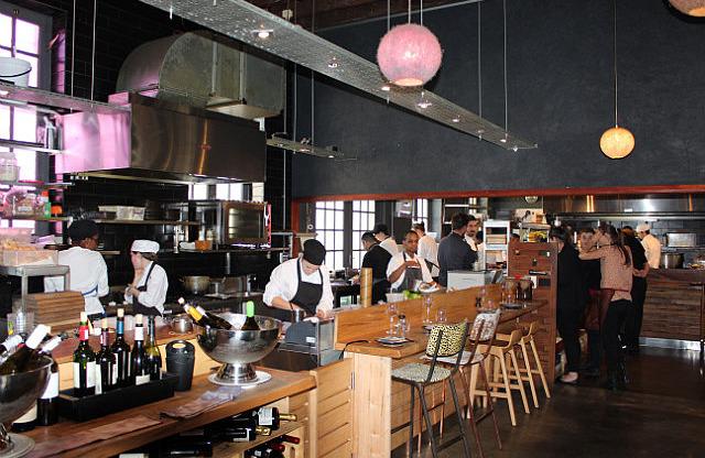 Test Kitchen: Open kitchen