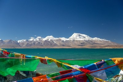 Lake Manasarovar and Gurla Mandhata (7694m)