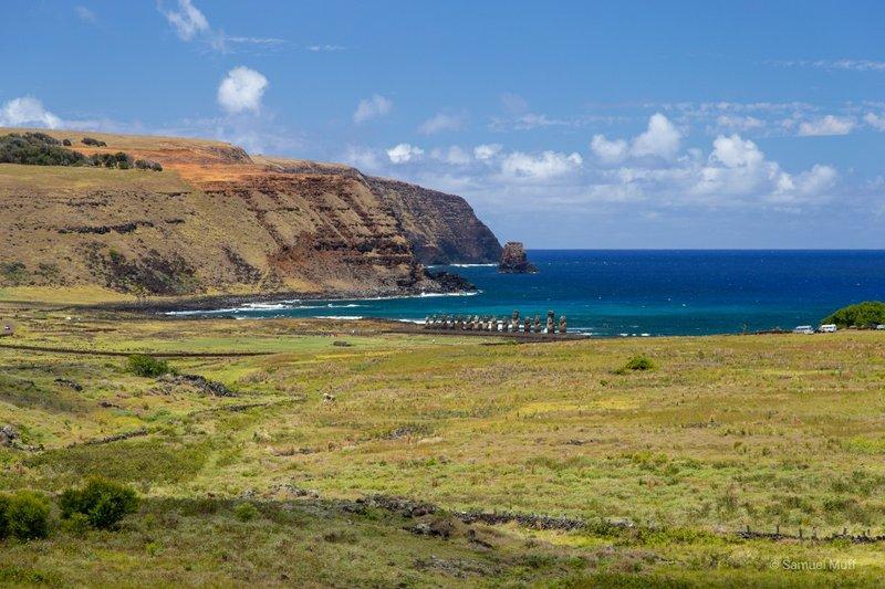 Ahu Tongariki with Peninsula Poke in the background