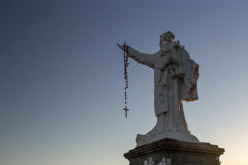 Statue on Cerro La Virgen near Talca
