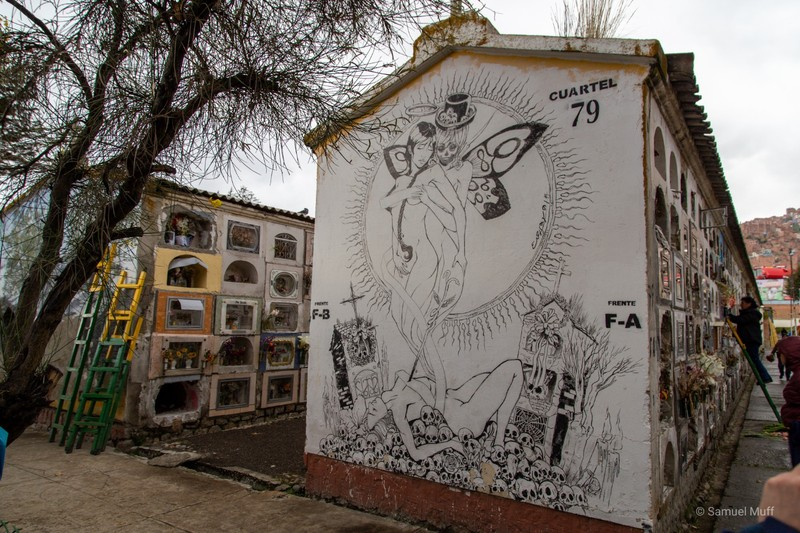 Wall painting at the La Paz cemetery