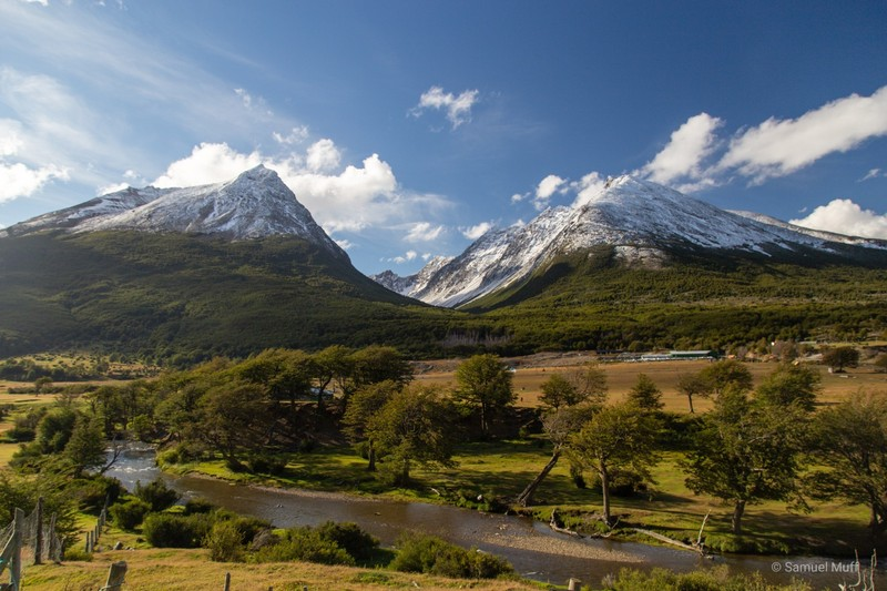 Mountain view from the road to Parque Nacional Tierra del Fuego