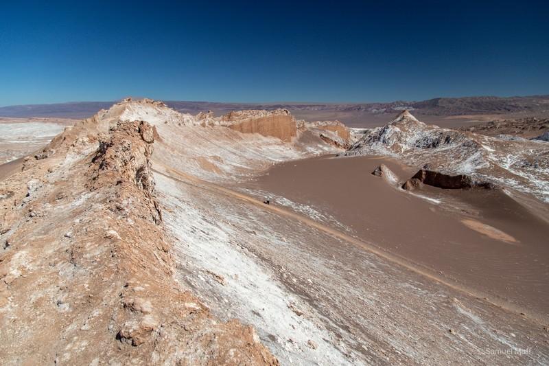 Landscape of rock and sand in the Valle de la Luna