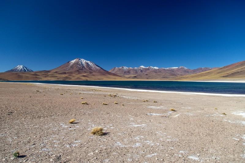 Laguna Miscanti in front of Cerro Miscanti (5622m) and Cerro Chiliques (5778m)