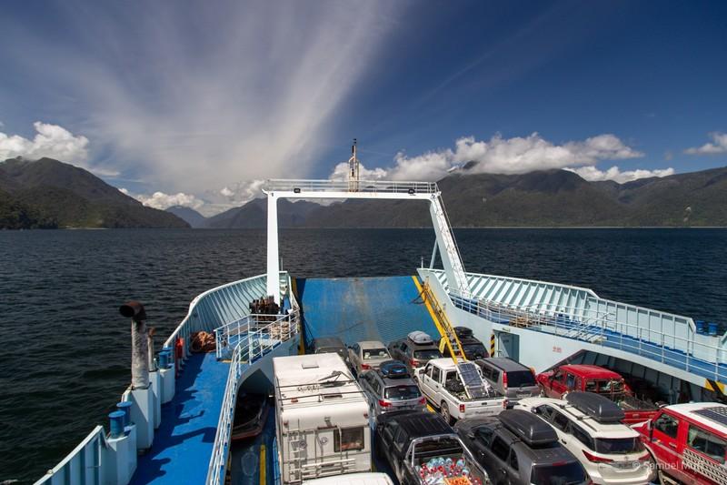 Car ferry between Hornopirén and Caleta Gonzalo