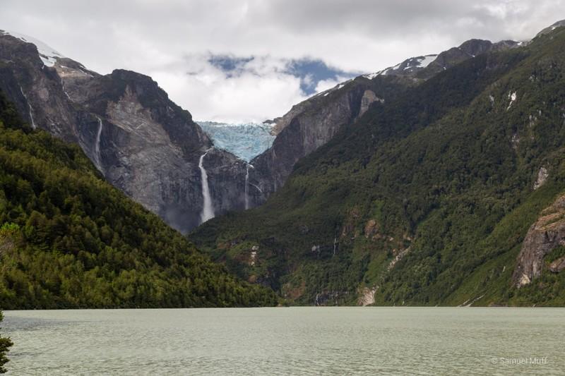 Ventisquero hanging glacier