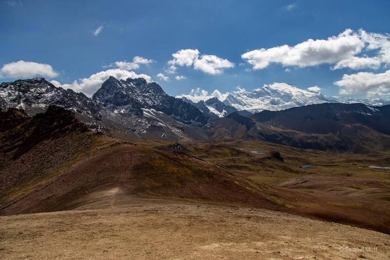 Ausangate (6384m), seen from Rainbow Mountain (5080m)