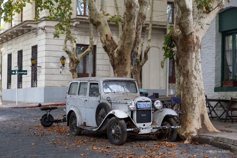 Old car in Colonia del Sacramento