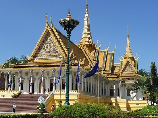 Palace and Silver Pagoda 1