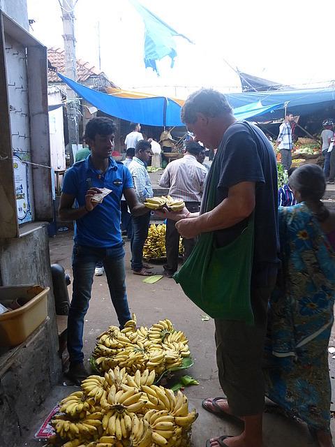 Devaraja Market - late afternoon - buying bananas