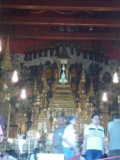 Wat Phra Keo - Emerald Buddha 1