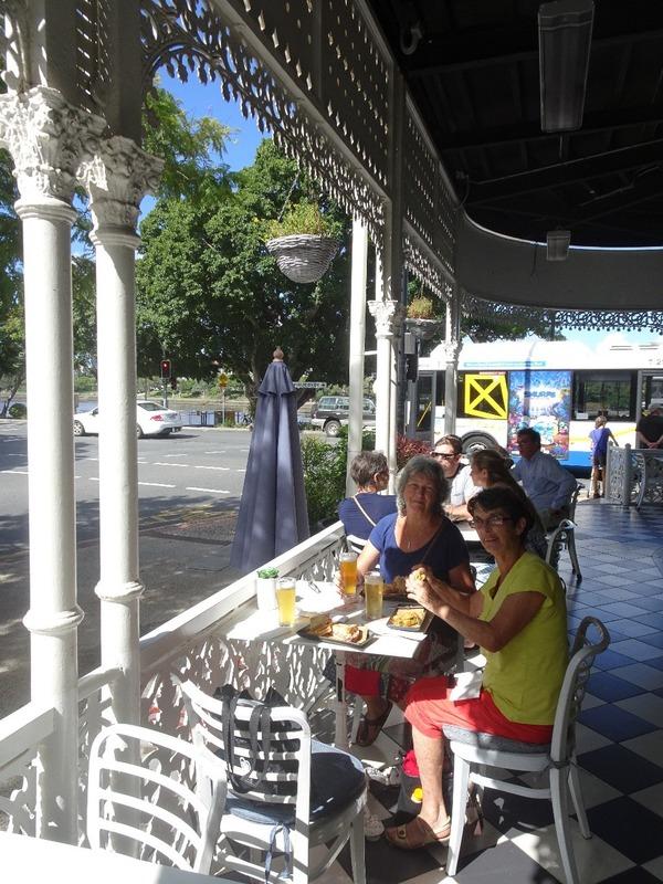 Regatta Hotel - lunch stop