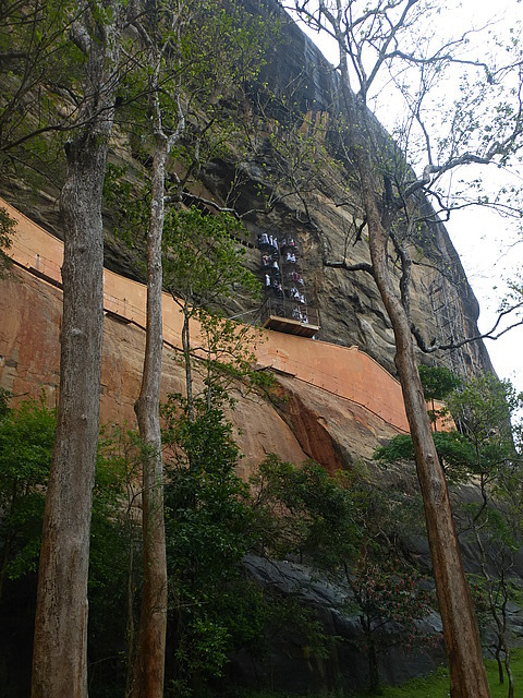 Access to the Sigiriya Damsels