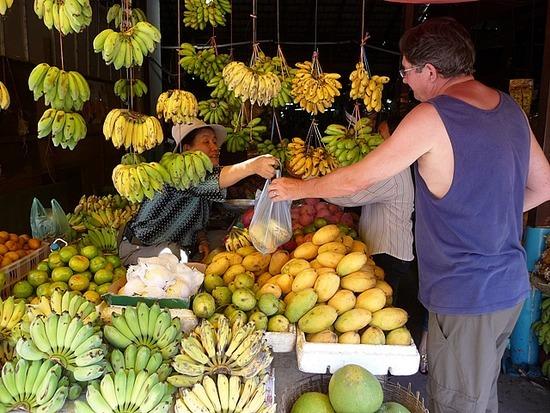 Siem Reap Town - Lovely ripe mangos!