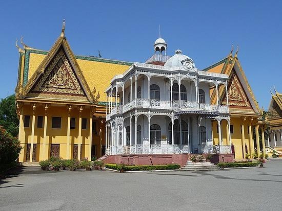 Palace and Silver Pagoda 5