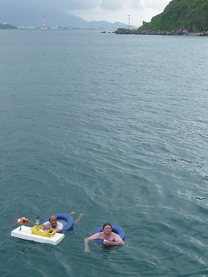 Boat Trip - Floating Bar 2