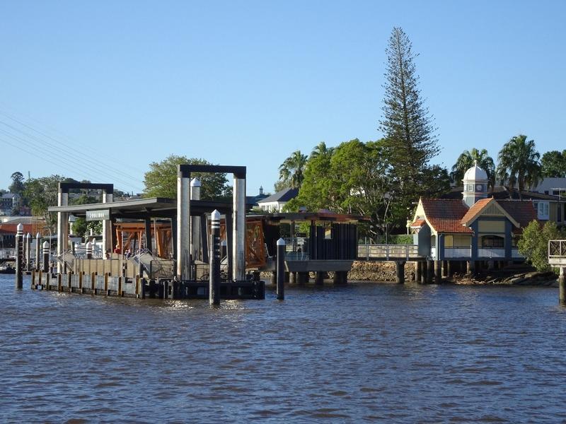 Bulimba ferry stop