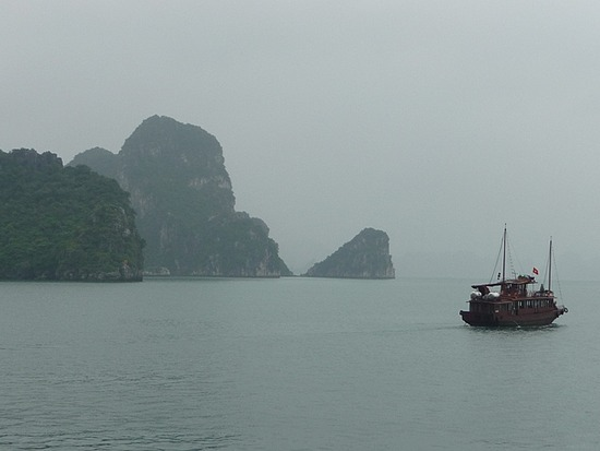 Halong Bay Scenes 2
