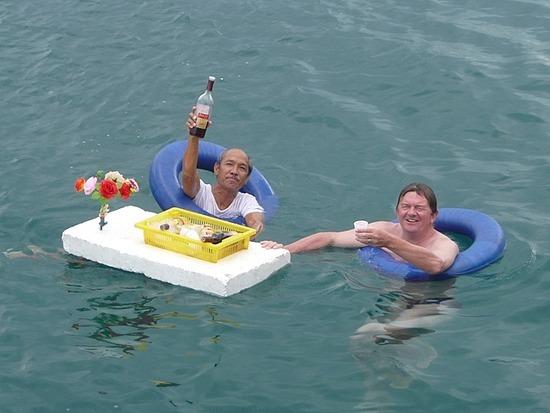 Boat Trip - Floating Bar!