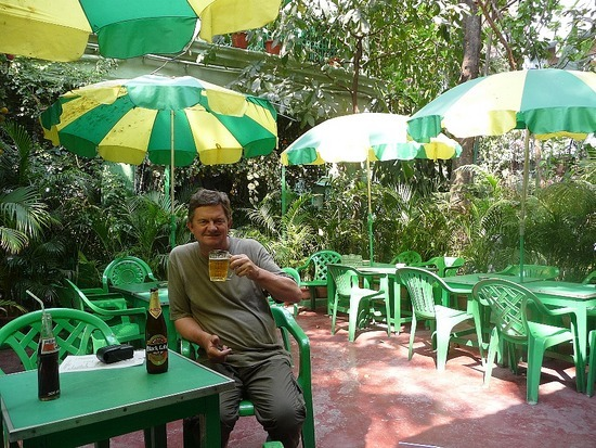 Fairlawn Hotel - Sip a beer and think of the Raj!