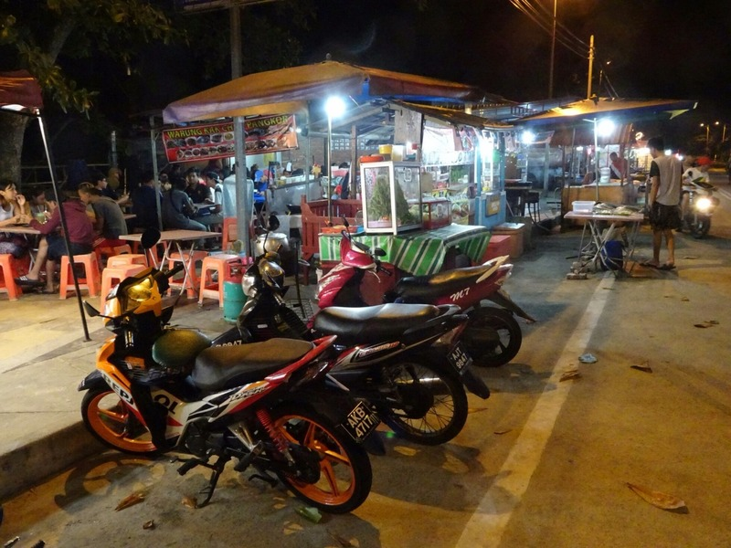 Teluk Nipah - stalls at night 2