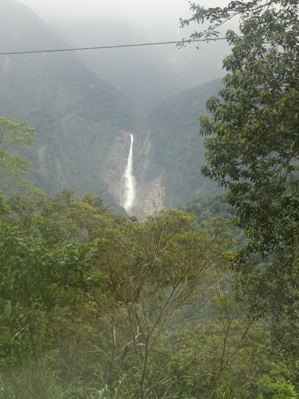KK - Sandakan bus trip - Passing Mt Kinabalu 4
