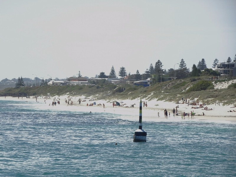 """Cottesloe Beach south with """"iconic"""" pilon"""