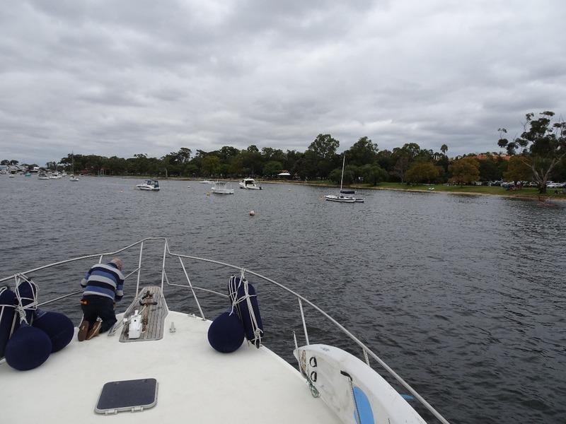 Tieing up to mooring buoy at Matilda Bay