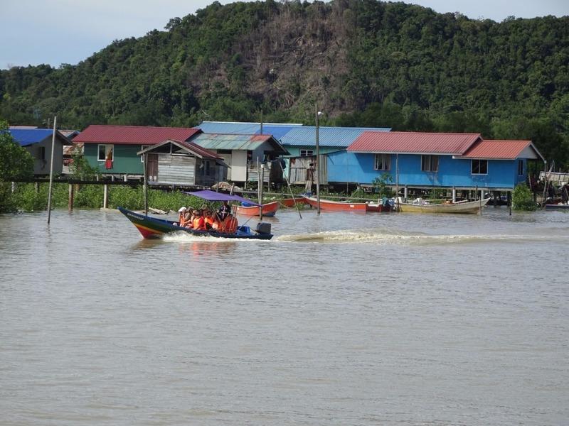Return to pontoon