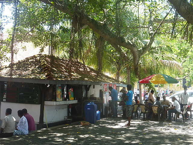 Galle Fort - kiosk in Court Square
