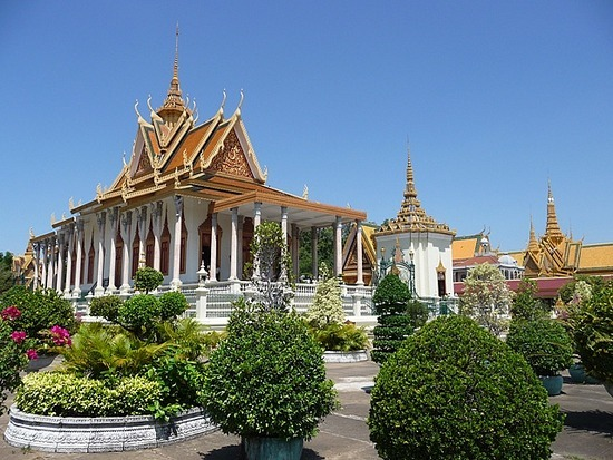 Palace and Silver Pagoda 6