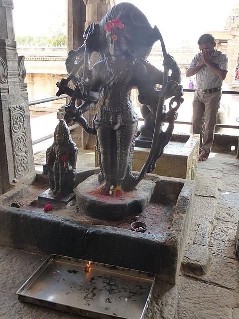Big Temple - Image at main shrine entrance