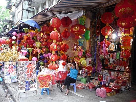 Around Hanoi Old Town again 1