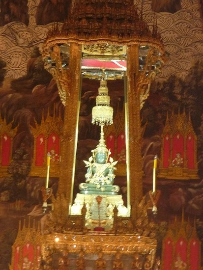 Wat Phra Keo - Emerald Buddha 2