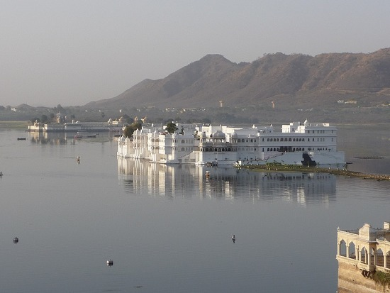 Hotel roof restaurant - View of Lake Palace Hotel