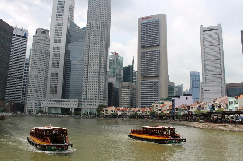 Singapore River and Financial District skyscrapers