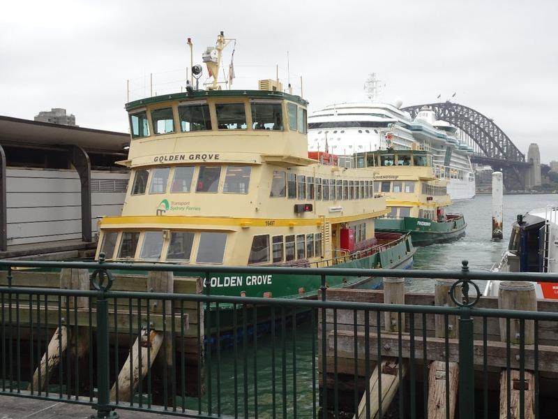 Ferries st Circular Quay