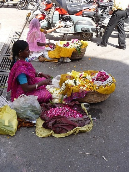 Jagdish Temple - Petal sellers