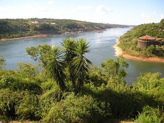 Rivers Pirana/Iguazu - Paraguay, Brazil, Arg