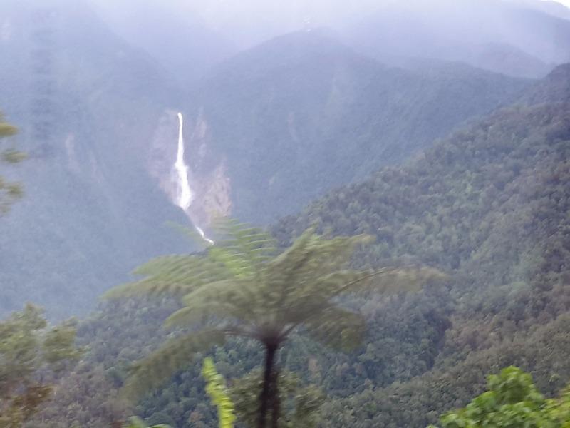 KK - Sandakan bus trip - Passing Mt Kinabalu 3